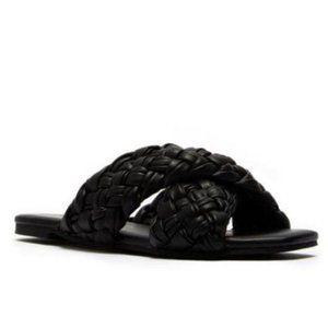 !! NEW !! Braided Slide Sandals in Black